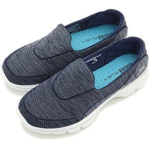 Skechers GoWalk3 GogaPlus Shoe